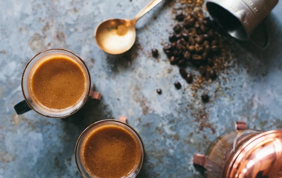 Café indio con leche y masala