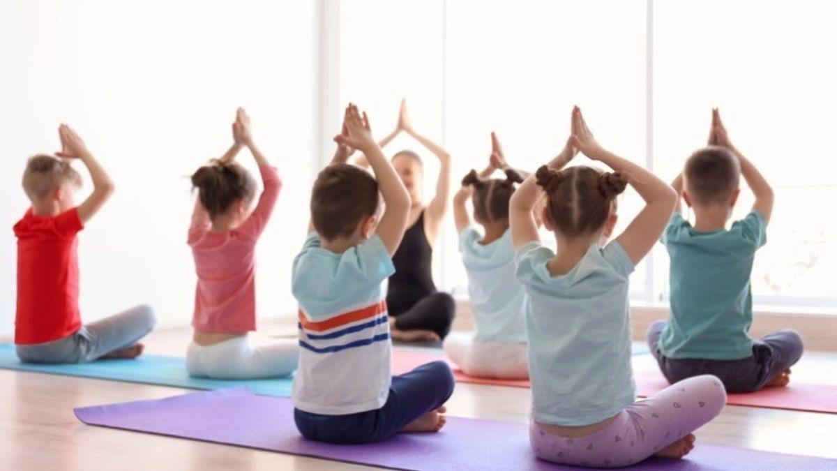 Yoga para niños: ideas para practicar en casa y en familia