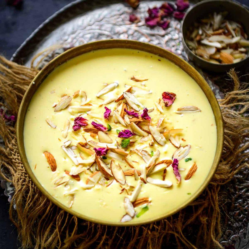 Kheer de leche, arroz y frutos secos para Pitta